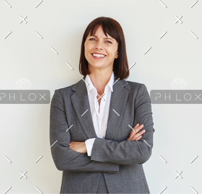 Full-body-portrait-of-professional-business-woman